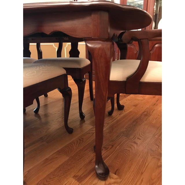 Queen Anne Pennsylvania House Solid Cherry Dining Room Set For Sale - Image 3 of 7