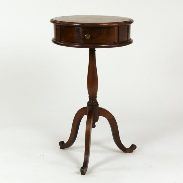 1890s English Round Fruitwood Tripod Bas & Single Drawer Pedestal Table For Sale In San Francisco - Image 6 of 11