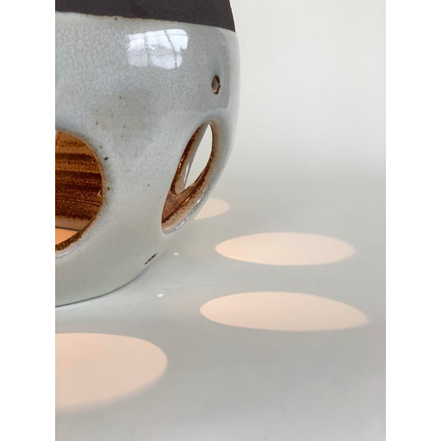 Contemporary Contemporary Ceramic Table Lamp For Sale - Image 3 of 5