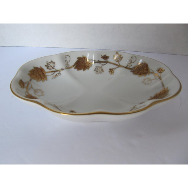 Traditional Vintage White & Gold Porcelain Soap Dish For Sale - Image 3 of 5