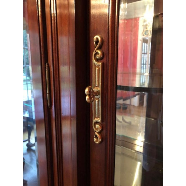 Bernhardt Bernhardt Mahogany Breakfront China Cabinet For Sale - Image 4 of 12