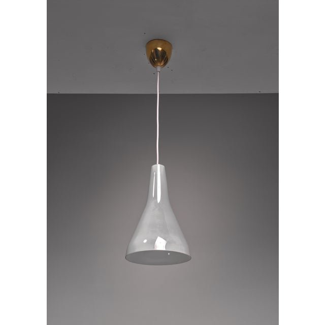 Mid-Century Modern Lisa Johansson-Pape Pendant in Rare Mother-of-Pearl Glass, Finland, 1950s For Sale - Image 3 of 3