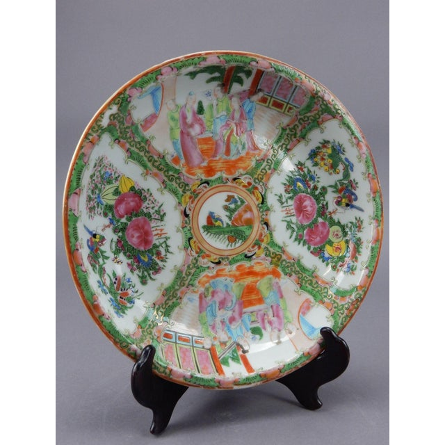 Gorgeous Antique Chinese Export Rose Medallion Serving Bowl - Image 5 of 11