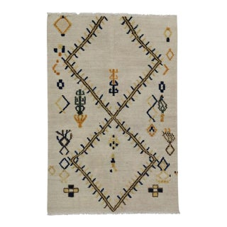 New High and Low Texture Moroccan Style Rug, Tribal Accent Rug, 4'02 X 6'02 For Sale