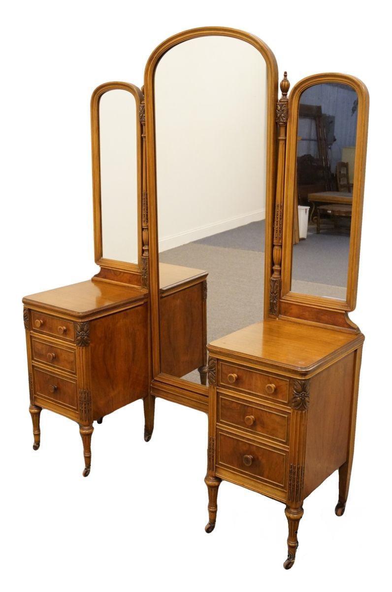 1920u0027s Country Sligh Furniture Grand Rapids Vanity
