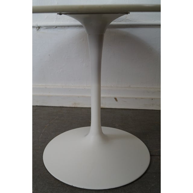 Mid-Century Round Tulip Base Saarinen Style Dining Table by Burke For Sale - Image 5 of 10