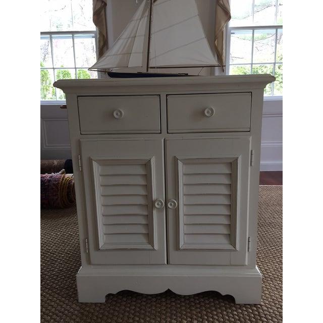 Lexington Furniture Seaside Retreat Coastal Nightstands - a Pair For Sale - Image 4 of 7