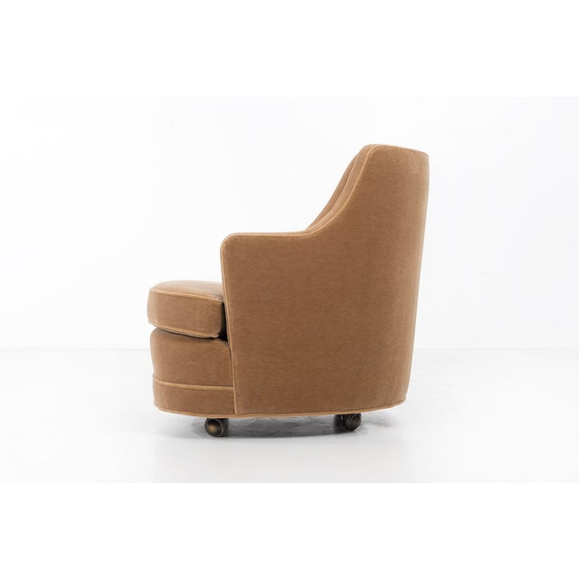 "Mid-Century Modern Edward Wormley for Dunbar ""TV"" Tufted Mohair Lounge Chair For Sale - Image 3 of 8"