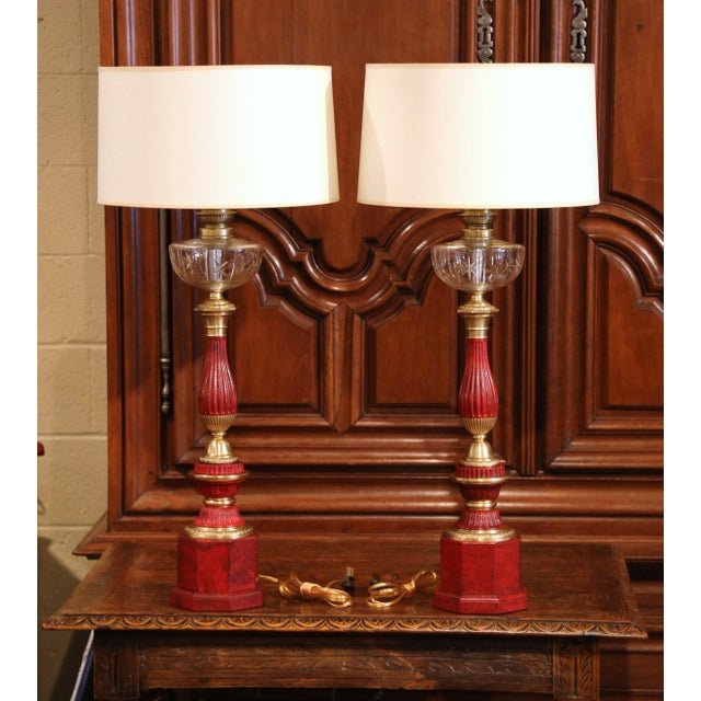 Pair of French Napoleon III Painted Tole Brass and Cut-Glass Table Oil Lamps For Sale - Image 4 of 7