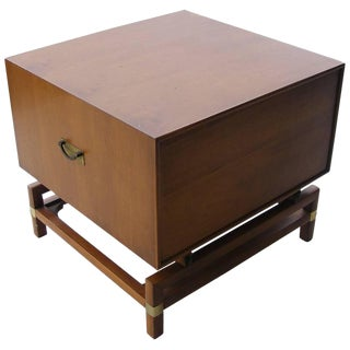 Vintage Mid-Century Butternut Side Table Nightstand Hickory Furniture Co For Sale