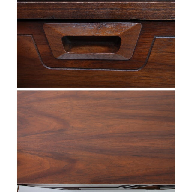1960s Danish Modern Highboy 5-Drawer Dresser With Cabinet For Sale In Saint Louis - Image 6 of 9