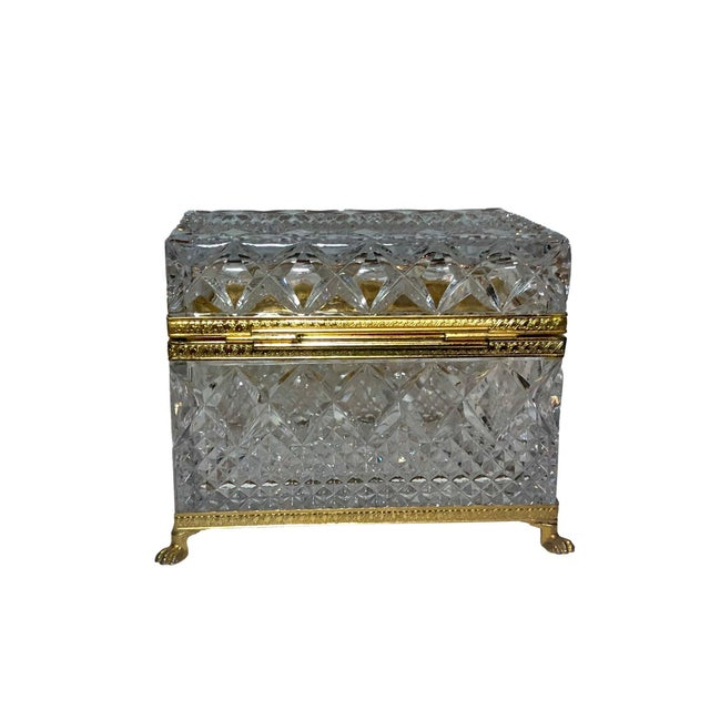 Transparent Mid-Century French Large Crystal Box For Sale - Image 8 of 10