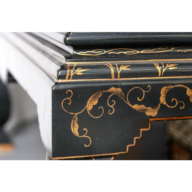 Wonderful Antique Chinese Asian Black Lacquer Cocktail Table. Adorned with Hand decorated with Gold leaf Floral. Great...