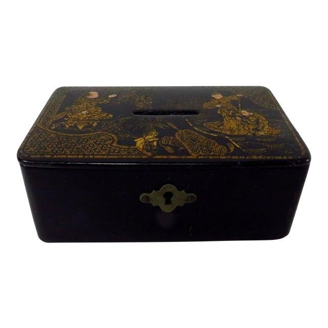 Antique 19th Century English Chinoiserie Decorated Papier-Mâché Box For Sale