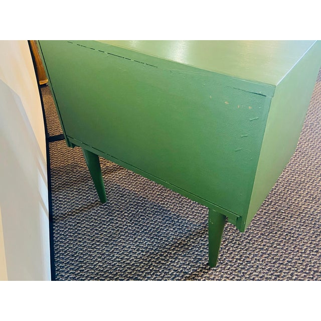 Mid Century Modern Two Tone Nightstands - a Pair For Sale - Image 4 of 13