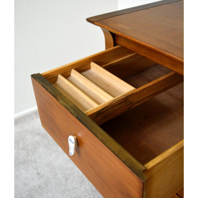 """Drexel 1950s Drexel """"Profile"""" Dresser and Nightstands Set by John Van Koert - Set of 3 For Sale - Image 4 of 8"""