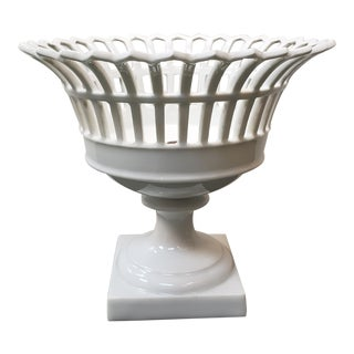 Early 19th Century French Empire Old Paris Porcelain Reticulated Corbeille Compote For Sale