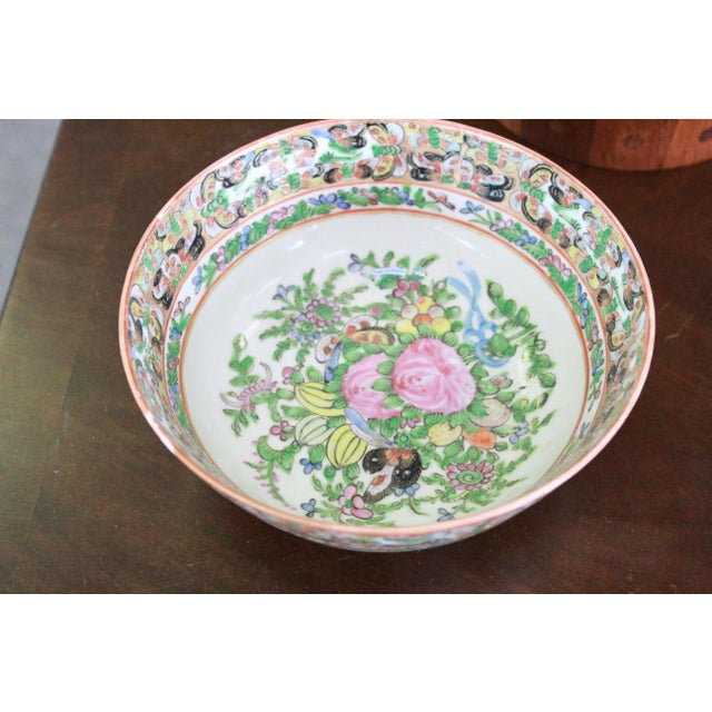 Ceramic Vintage Chinese Famille Bowl For Sale - Image 7 of 9