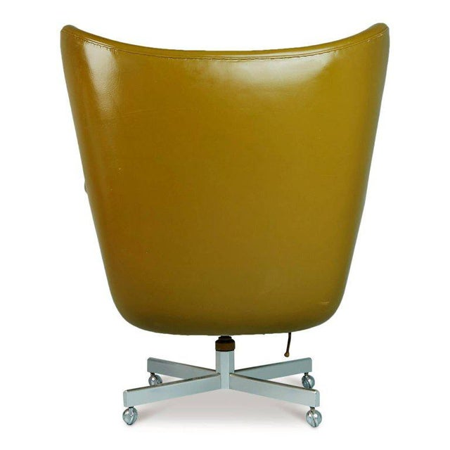 Dramatic Executive Wingback Chair and Ottoman by George Kasparian, Circa 1960 For Sale In Los Angeles - Image 6 of 11