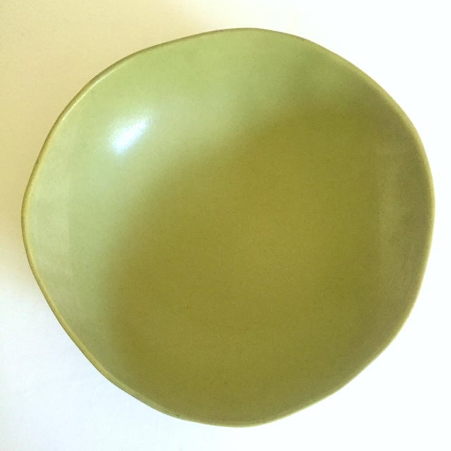Ceramic Alex Marshall Studios Pottery Vintage Organic Modernist Extra Large Chartreuse Ceramic Serving Bowl For Sale - Image 7 of 13