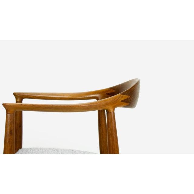 Lights Hans Wegner for Johannes Hansen Teak Round Arm Chair For Sale - Image 7 of 13