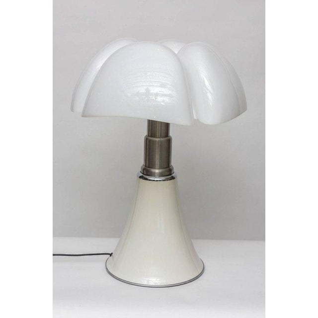 """Martinelli Luce """"Pipistrello"""" Table Lamp by Gae Aulenti for Martinelli Luce For Sale - Image 4 of 11"""