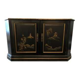 Late 20th Century Vintage Chinoiserie Style Sideboard For Sale