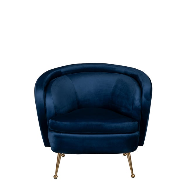 Barrel chair with comfortable seat invites you to settle in and stay a while. Match it with the Palermo Sofa for a...