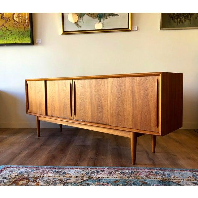 1960s h.p. Hansen 1960s Danish Teak Credenza For Sale - Image 5 of 13