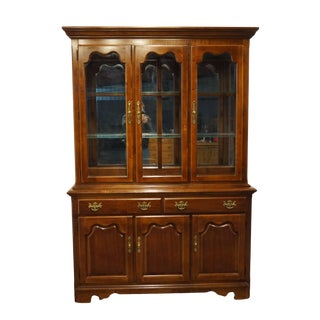 Thomasville Furniture Winston Court Collection Traditional China Cabinet For Sale
