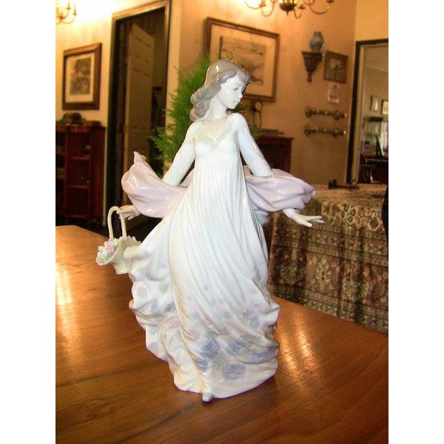 Lladro Spanish Porcelain Figurine of Spring Splendor (Retired) For Sale - Image 12 of 13