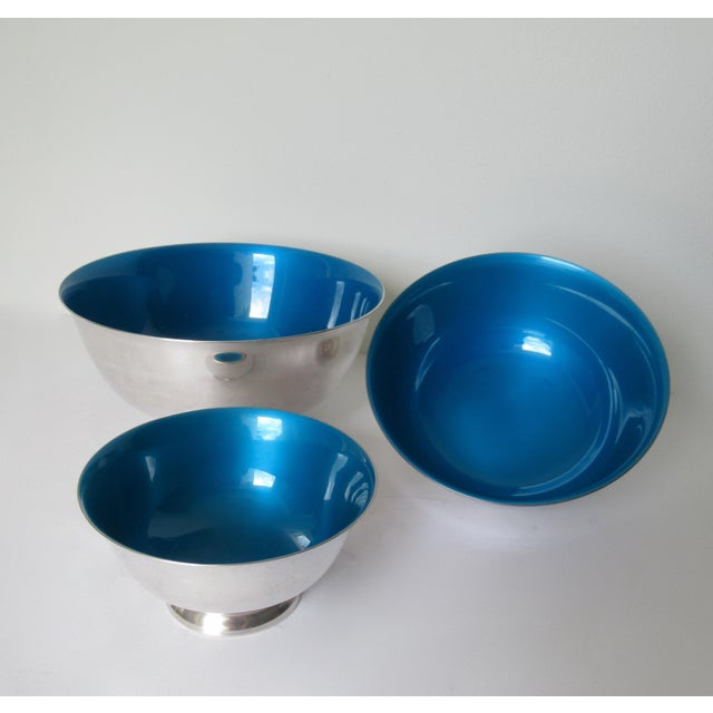 Enamel Reed & Barton Silver Plate Bowls With Peacock Blue Enameled Interiors -Set of 3 For Sale - Image 7 of 13