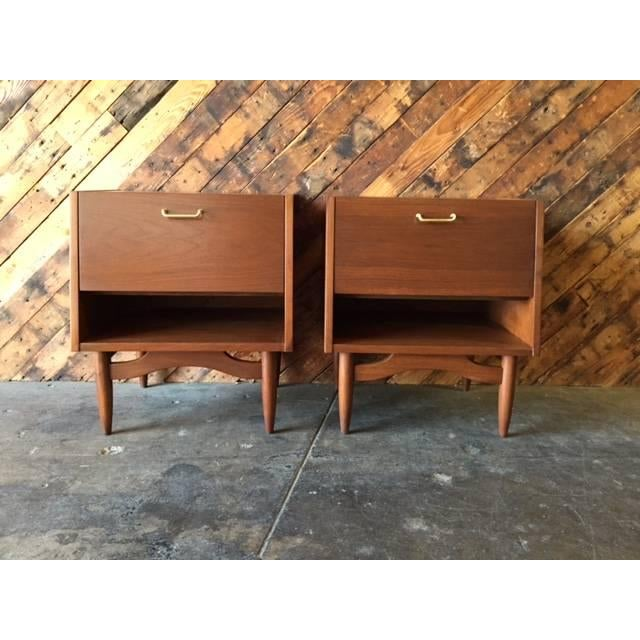 American of Martinsville Nightstands - Pair - Image 2 of 6