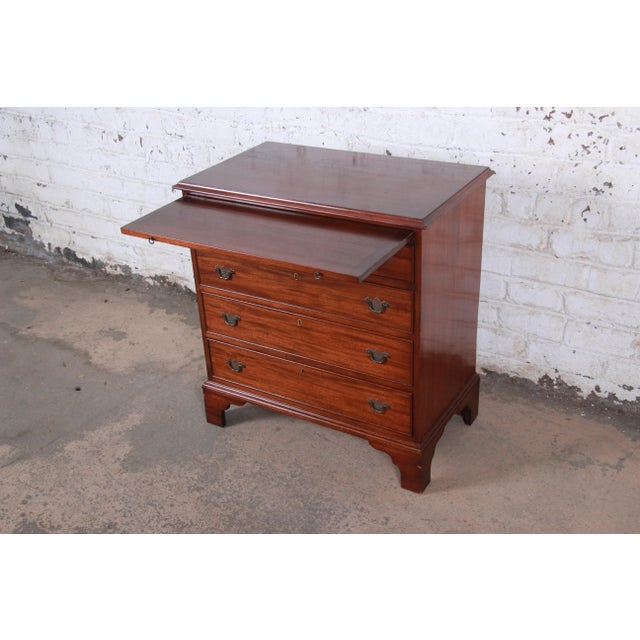 English Vintage Georgian Mahogany Bachelor Chest or Commode For Sale - Image 3 of 10