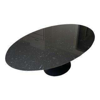 Mid-Century Modern Saarinen Oval Dining Table For Sale
