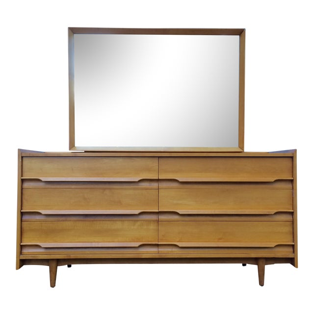 Mid-century modern 6-drawer solid maple dresser with vanity mirror which attaches to the dresser. Made by Crawford...