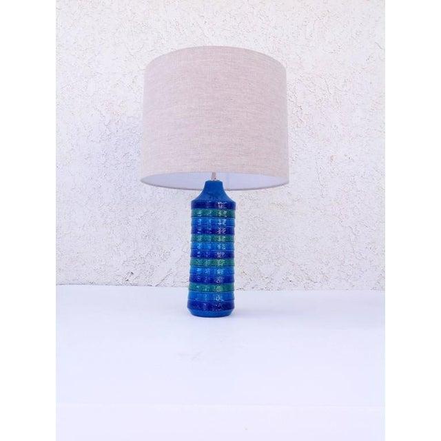 "Bitossi Italian Ceramic ""Rimini Blue"" Table Lamps by Bitossi - a Pair For Sale - Image 4 of 6"