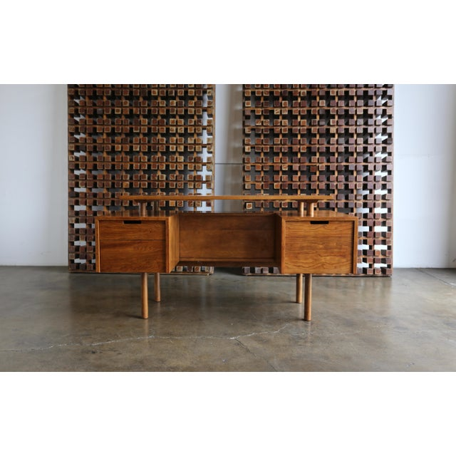 Walnut Desk by Milo Baughman for Glenn of California For Sale - Image 13 of 13