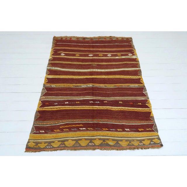 Textile Anatolian Kilim Tribal Turkish Kilim Rug-4′8″ × 6′1″ For Sale - Image 7 of 13