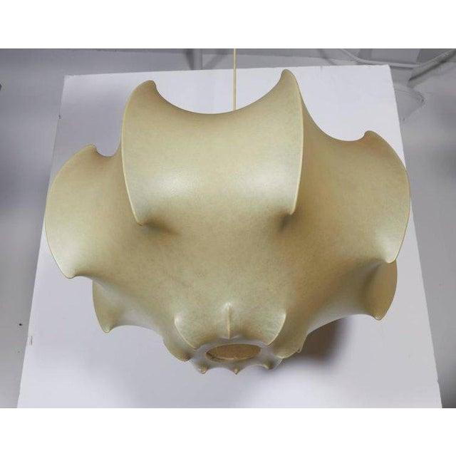 Italian Viscontea Pendant Light by Achille and Pier Giacomo Castiglioni For Sale - Image 3 of 5