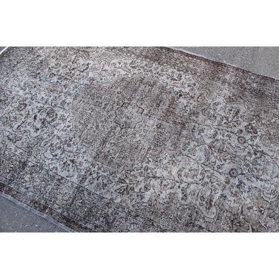 "Textile Vintage Oushak Handmade Area Rug - 5'3"" x 8'6"" For Sale - Image 7 of 10"