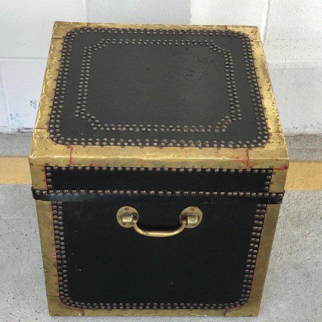 Mid 19th Century Regency Style Brass-Mounted Leather Cube Trunk For Sale - Image 5 of 10