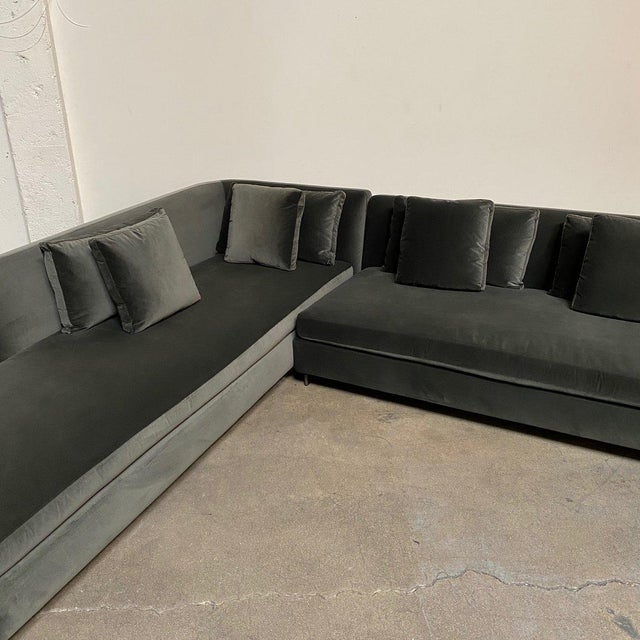 Slate Gray Mid-Century Modern Minotti 'Seymour' Sectional W/ Left Chaise For Sale - Image 8 of 9