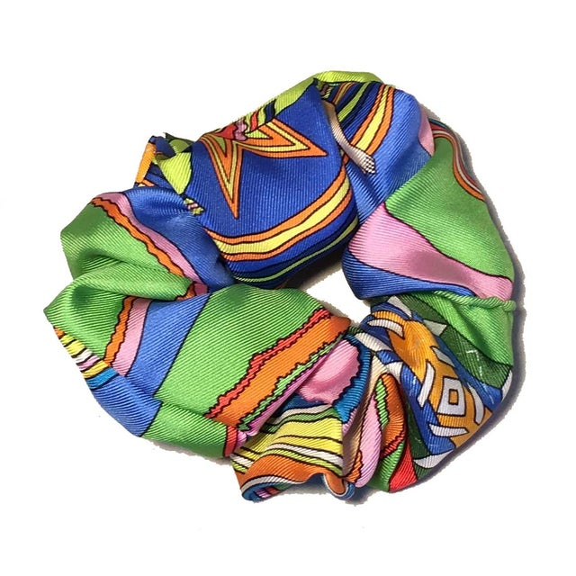 Abstract Hermes Handmade Vintage Silk Scarf Scrunchie in Green, Blue and Yellow For Sale - Image 3 of 13