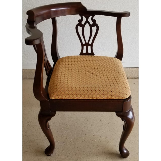 We love this extraordinary Ethan Allen Georgian Court corner chair for its uniqueness, solid cherry wood construction and...