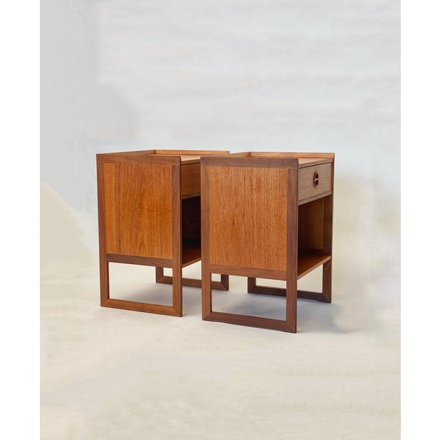Own a piece of design history with this pair of gorgeous nightstands designed by Danish master Arne Wahl Iversen for IKEA...