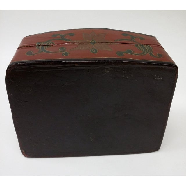 Large Chinese Red Lacquered Porcelain Lidded Box - Image 8 of 11