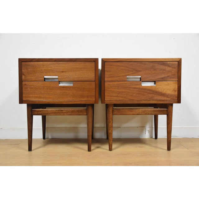 American of Martinsville Walnut Nightstands - A Pair - Image 6 of 9