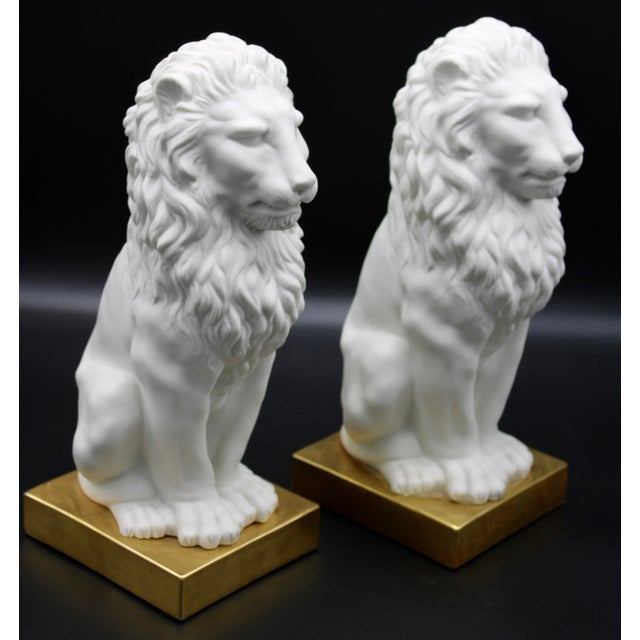 Italian Mottahedeh Ceramic Mantle Lions - a Pair For Sale - Image 6 of 13