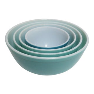 Pyrex Turquoise Nesting Mixing Bowls - Set of 4 For Sale